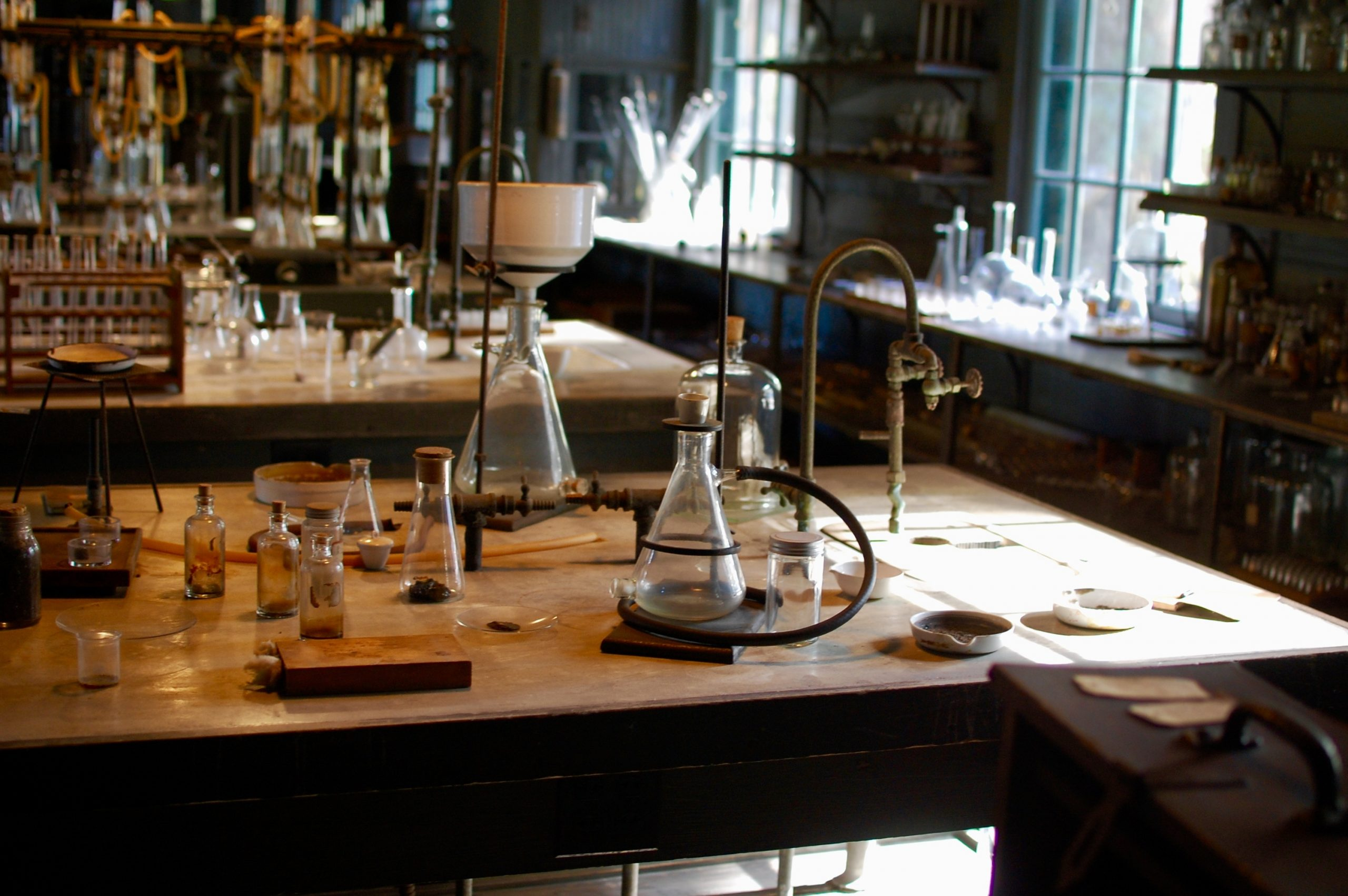 Edison lab work station